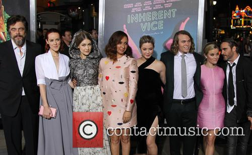 Benicio Del Toro, Jena Malone, Joanna Newsom, Maya Rudolph, Sasha Pieterse, Jordan Christian Hearn, Reese Witherspoon and Joaquin Phoenix 4
