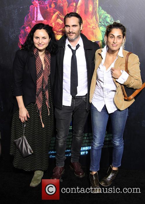 Rain Phoenix, Joaquin Phoenix and Summer Phoenix 2