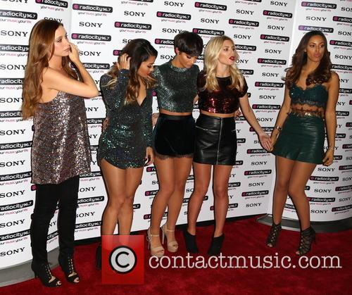 Frankie Sandford, Una Healy, Rochelle Humes Mollie King, Vanessa White and The Saturdays 2