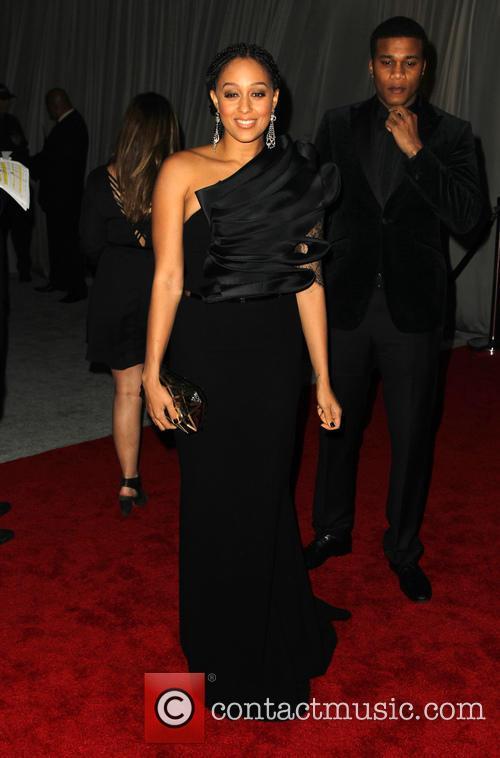 Tia Mowry and Rihanna 3