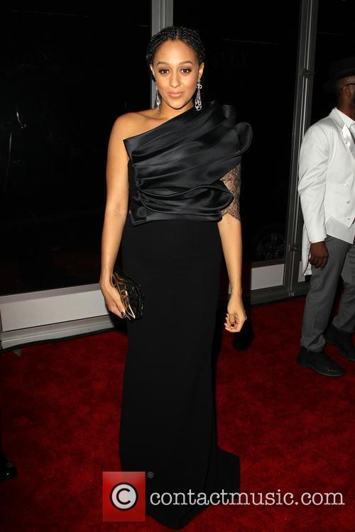 Tia Mowry and Rihanna 11