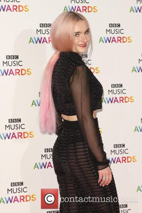 Grace Chatto and Clean Bandit 7