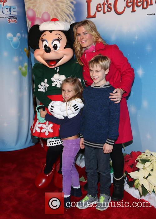 Alison Sweeney, Ben Sanov, Megan Hope Sanov and Minnie Mouse 3