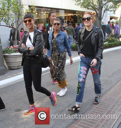 Icona Pop, Aino Jawo and Caroline Hjelt 6
