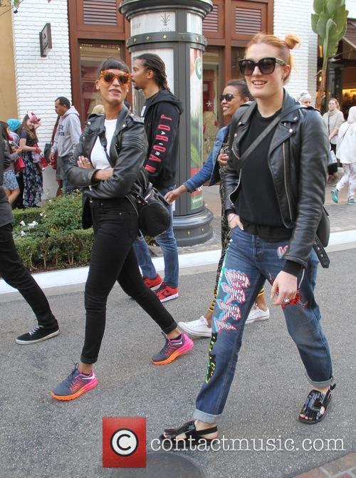 Icona Pop, Aino Jawo and Caroline Hjelt 8