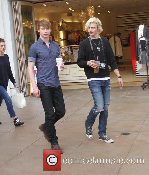 Ross Lynch and Calum Worth 4