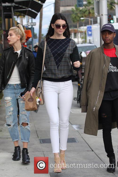 Kendall Jenner, Hailey Baldwin and Shamari Maurice 9