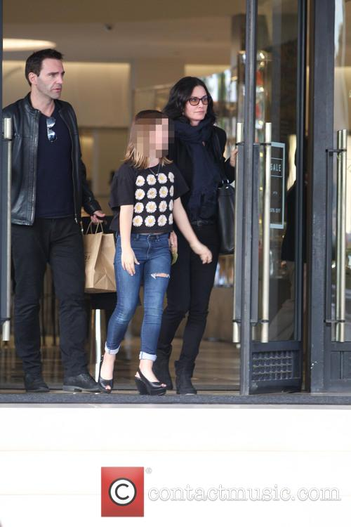 Courteney Cox, Johnny Mcdaid and Coco Arquette 9