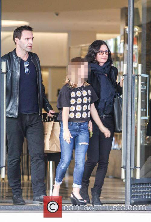 Courteney Cox, Johnny Mcdaid and Coco Arquette 10