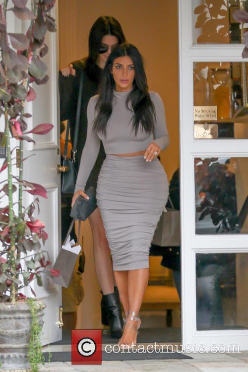 Kendall Jenner and Kim Kardashian 2