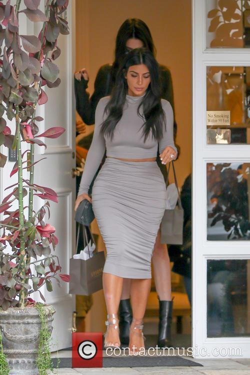 Kendall Jenner and Kim Kardashian 3