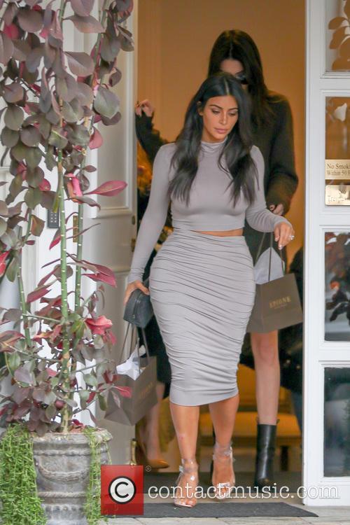 Kendall Jenner and Kim Kardashian 4