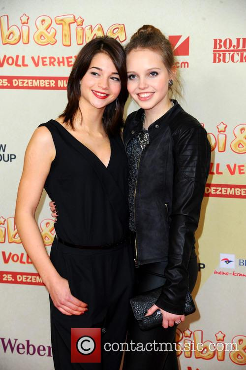 Lisa-marie Koroll and Lina Larissa Strahl 5