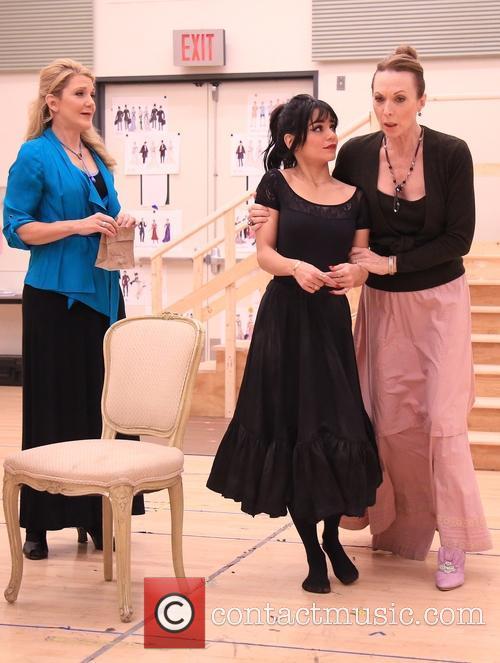Victoria Clark, Vanessa Hudgens and Dee Hoty 2