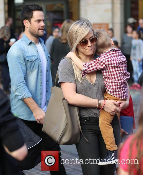 Hilary Duff, Luca Comrie and Mike Comrie 7
