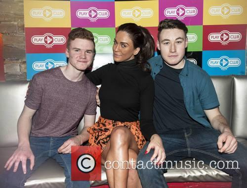 Vicky Pattison and Vicky Pattsion With Fans Con O'riordan & Jack Gallagher 6