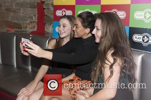 Vicky Pattison and Vicky Pattsion With Fans Emma Byrne & Naoise Mulryan 7