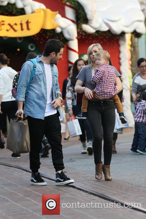 Hilary Duff, Luca Comrie and Mike Comrie 11