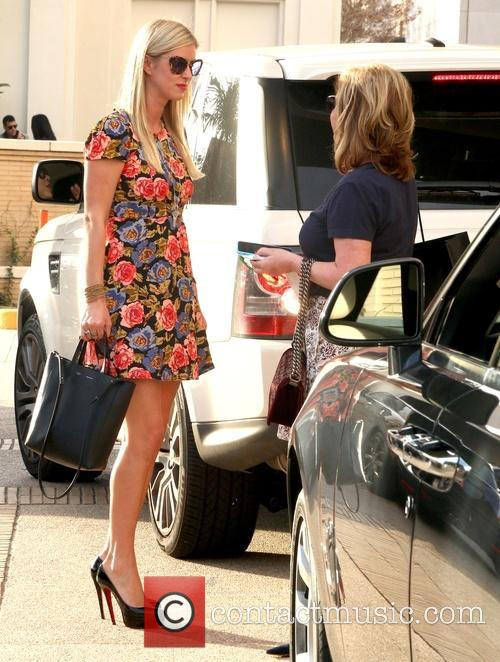 Nicky Hilton and Kathy Hilton 5
