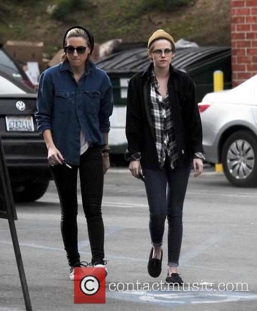 Kristen Stewart and Alicia Cargile 8