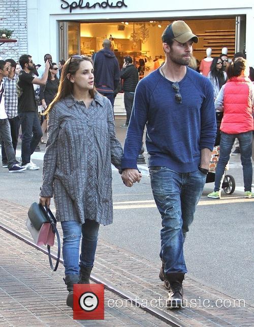 Rachael Leigh Cook and Daniel Gillies 3
