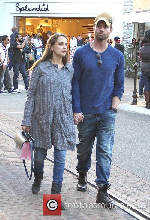 Rachael Leigh Cook and Daniel Gillies 8