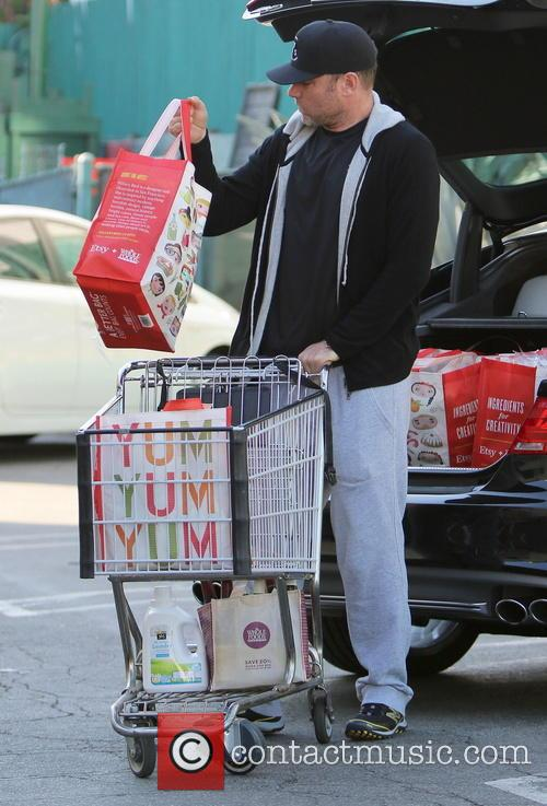 Naomi Watts and Liev Schreiber shop for groceries