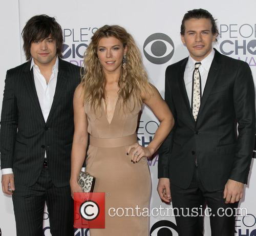 Reid Perry, Kimberly Perry and Neil Perry 2