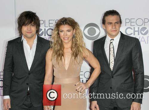 Reid Perry, Kimberly Perry and Neil Perry 1