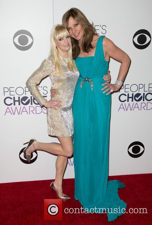 Anna Faris and Allison Janney 9
