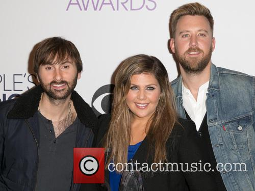 Dave Haywood, Hillary Scott, Charles Kelley and Lady Antebellum 4