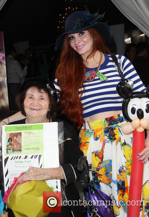Flora Price and Phoebe Price 3