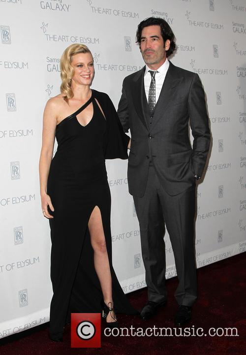 Amy Smart and Carter Oosterhouse 9