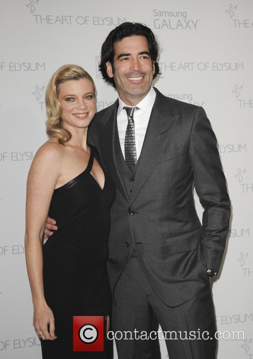 Carter Oosterhouse and Amy Smart 2
