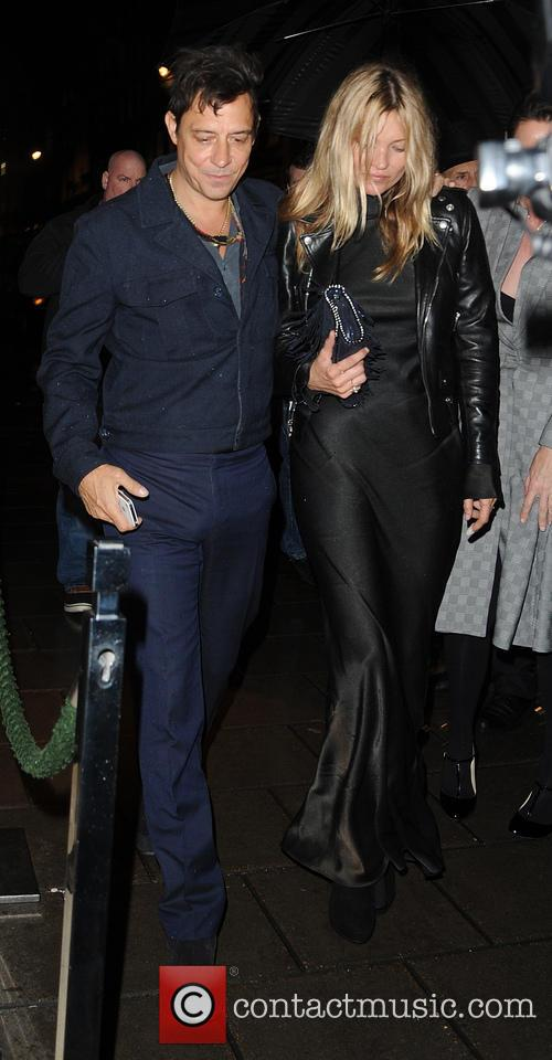 Kate Moss and Jamie Hince arrive at Claridges