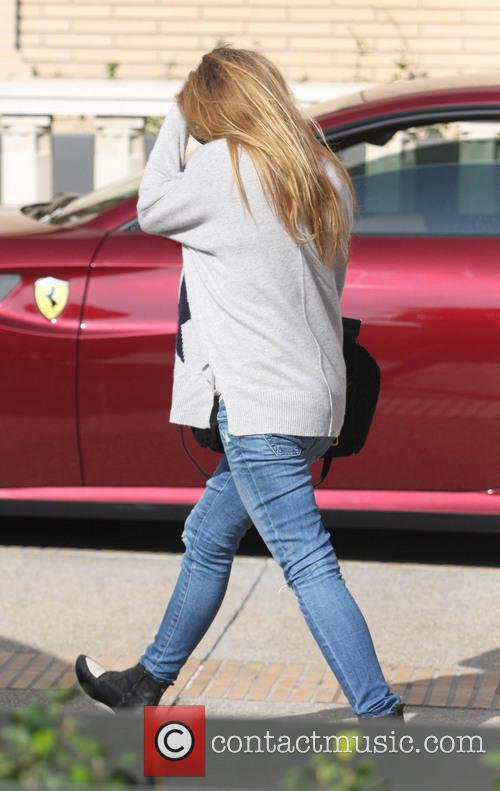 Isla Fisher shopping in Beverly Hills