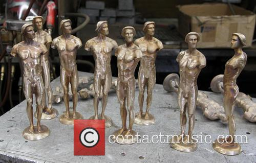 Pouring of the SAG awards statue