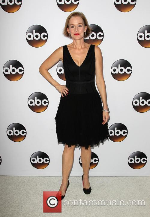 Penelope Ann Miller 5