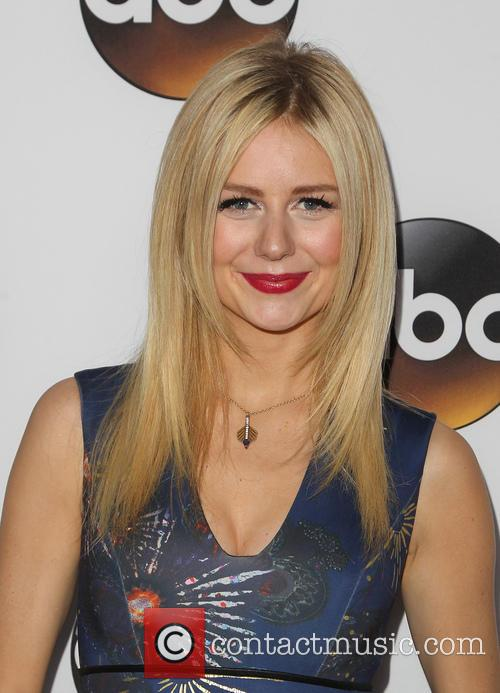 Justine Lupe 4