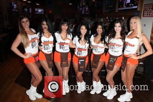Hooters Manhattan Vip Press and Party 2