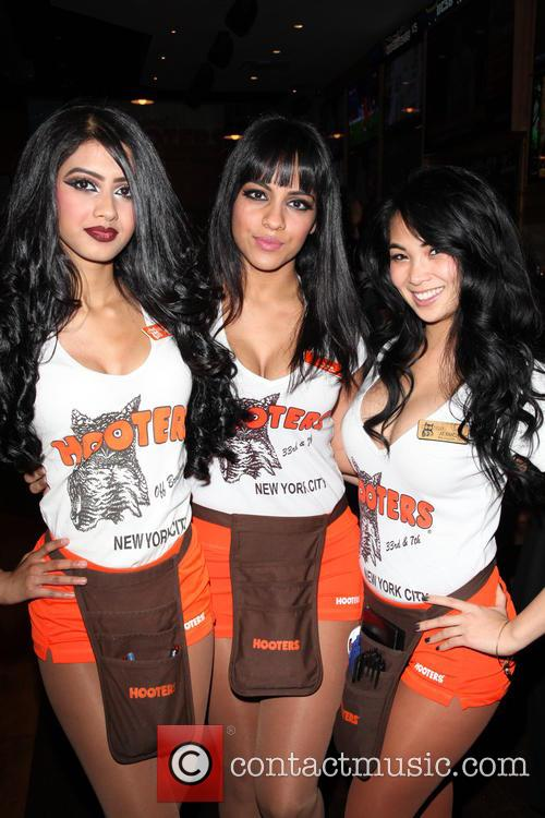 Hooters Manhattan Vip Press and Party 4