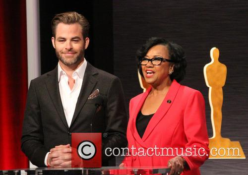 Chris Pine and Academy President Cheryl Boone Isaacs 4
