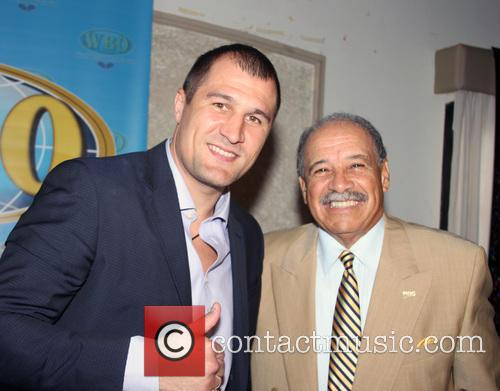 Sergey Kovalev and Francisco Valcarcel 9