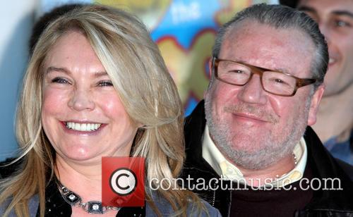 Amanda Redman and Ray Winstone 9