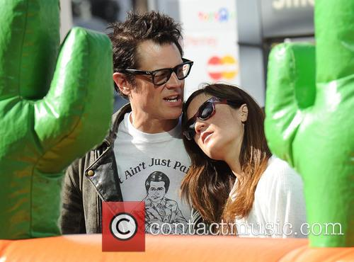 Johnny Knoxville and Naomi Nelson 2