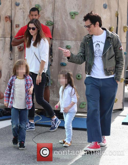 Johnny Knoxville, Philip John Clapp, Naomi Nelson and Arlo Lemoyne Yoko Clapp 6