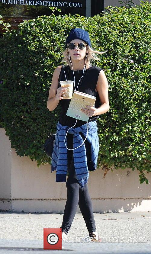 Emma Roberts seen leaving Earth cafe