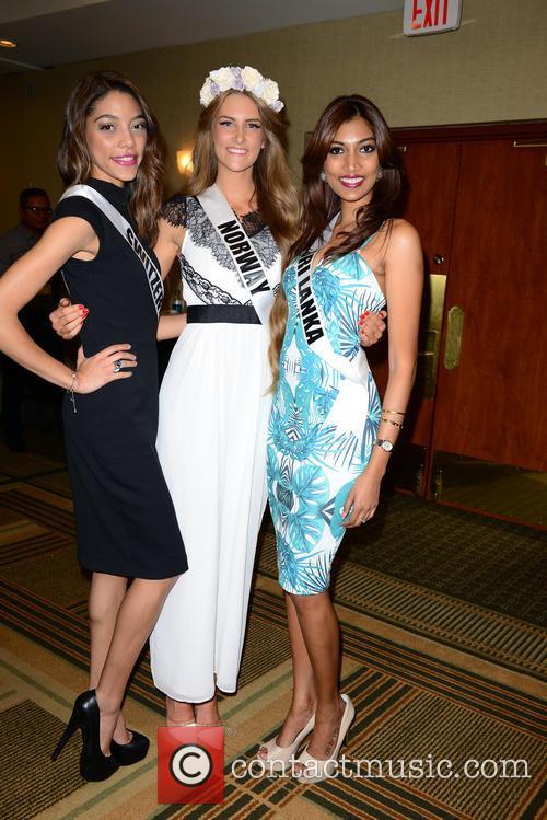Miss Switzerland Zoe Metthez, Miss Norway Elise Dalby and Miss Sri Lanka Avanti Page 1