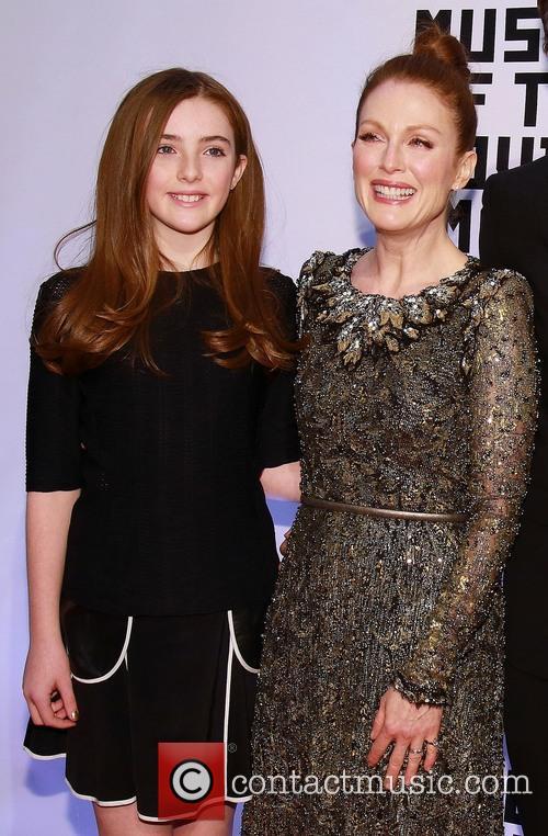 Liv Freundlich and Julianne Moore 2