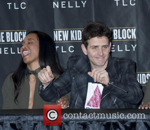Joey Mcintyre and Chilli 6